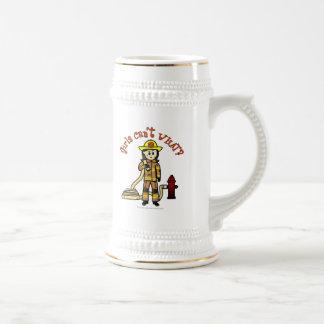 Chica del bombero jarra de cerveza