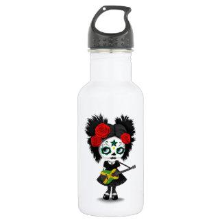Chica del cráneo del azúcar que toca la guitarra botella de agua