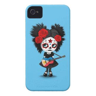 Chica del cráneo del azúcar que toca la guitarra carcasa para iPhone 4 de Case-Mate