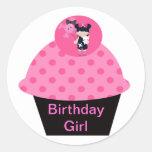 Chica del cumpleaños de la magdalena del gótico de pegatina redonda