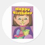 Chica del cumpleaños de la magdalena pegatina redonda