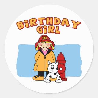 Chica del cumpleaños del bombero pegatina redonda