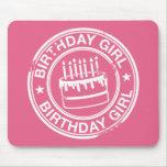 Chica del cumpleaños - efecto blanco del sello de  tapetes de ratones