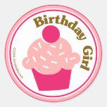 Chica del cumpleaños etiqueta redonda