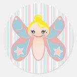 chica del duendecillo de la mariposa etiquetas redondas