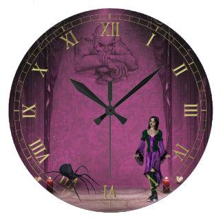 Chica del gótico con el reloj de pared de la araña