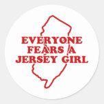 Chica del jersey etiquetas redondas