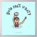 Chica del jugador de polo de la agua ligera póster