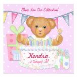 Chica del oso del cumpleaños - tercer cumpleaños