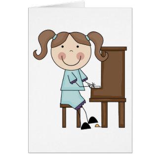 Chica del palillo que juega el piano tarjetas