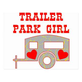 Chica del parque de caravanas tarjeta postal