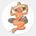 "Chica del Pin-Para arriba de la ""salsa caliente"" Pegatina Redonda"