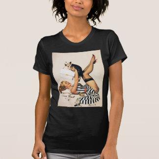 Chica del Pin-para arriba del amante del perrito - Camiseta