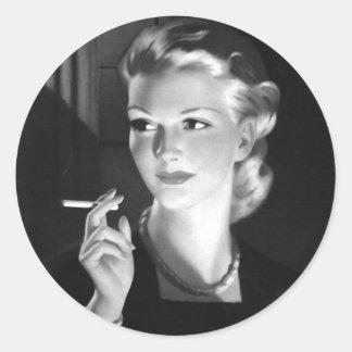 Chica del Pin-Para arriba del cigarrillo del Pegatina Redonda