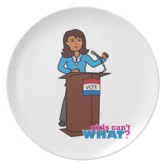 Chica del político platos de comidas