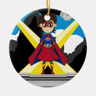 Chica del super héroe en tejado ornatos