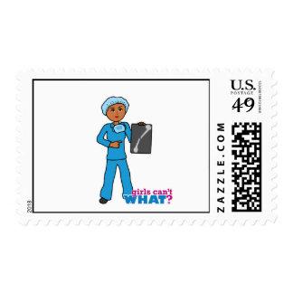 Chica del tecnólogo de la radiografía timbres postales