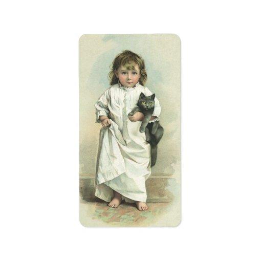 Chica del Victorian del vintage en un camisón con Etiquetas De Dirección