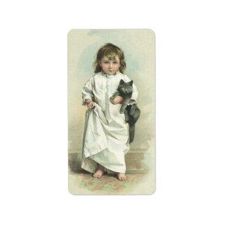 Chica del Victorian del vintage en un camisón con Etiqueta De Dirección