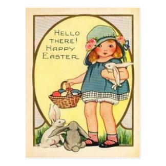 Chica del vintage con el coche de Pascua de los Postal