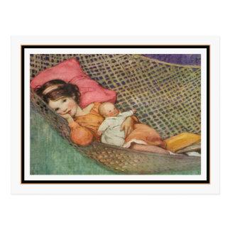 Chica del vintage en hamaca de Jessie Willcox Smit Postal