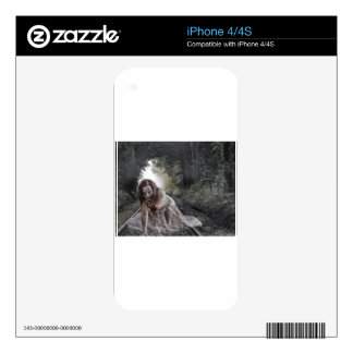 Chica del zombi iPhone 4 calcomanía