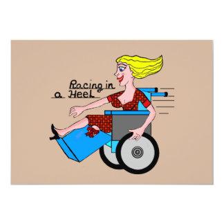 """Chica en amputado de la silla de ruedas del tacón invitación 5"""" x 7"""""""