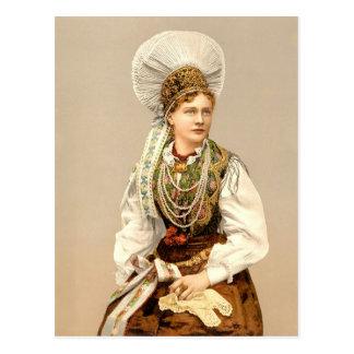 Chica en el traje nativo de Carniola, Austro-Hungr Postal