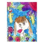 Chica en jardín postal