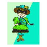 Chica en la bola de mascarada postales