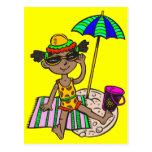 Chica en la playa tarjetas postales