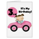 Chica en las 3ro camisetas y regalos del cumpleaño felicitación