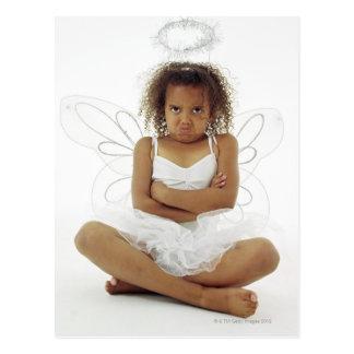 Chica en traje del ángel tarjeta postal