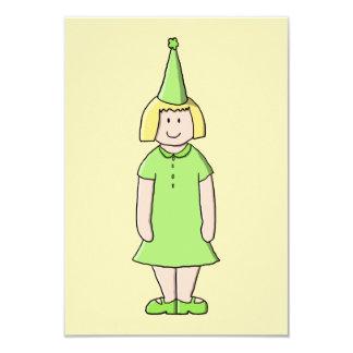 """Chica en un equipo verde del cumpleaños invitación 3.5"""" x 5"""""""