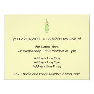 """Chica en un equipo verde del cumpleaños invitación 4.25"""" x 5.5"""""""