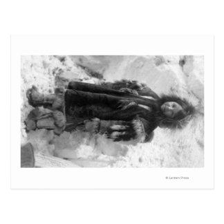 Chica esquimal en un abrigo esquimal en Nome, Tarjetas Postales