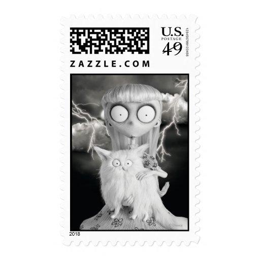 Chica extraño sello