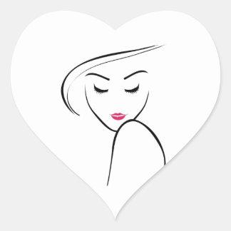 chica flaco en lápiz labial rosado pegatina en forma de corazón