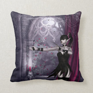 Chica gótico de Mechanika en almohada espeluznante