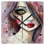 Chica gótico del arte de la fantasía con los coraz relojes de pared