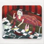 Chica gótico lindo de la marioneta del lolita tapetes de raton