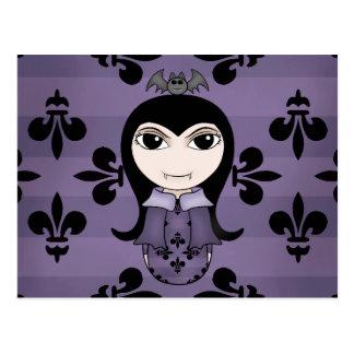 Chica gótico lindo del vampiro de Halloween en Postales