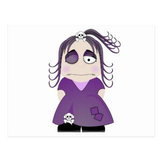 Chica gótico remendado en púrpura postal