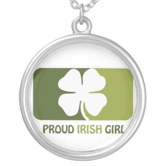 Chica irlandés colgante redondo