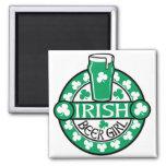 Chica irlandés de la cerveza iman de nevera
