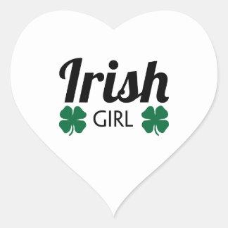Chica irlandés pegatina en forma de corazón