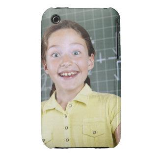 chica joven delante de la pizarra que tiene idea iPhone 3 Case-Mate protector