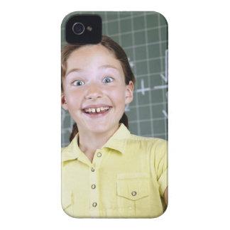 chica joven delante de la pizarra que tiene idea iPhone 4 Case-Mate carcasa