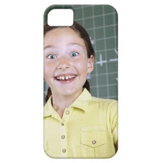 chica joven delante de la pizarra que tiene idea iPhone 5 carcasa