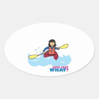 Chica Kayaking - medio Calcomanía De Ovaladas